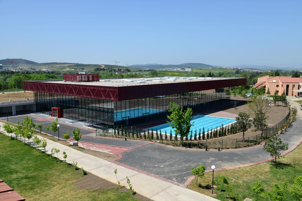 Koç-Okulları-Kapalı-Havuz-1